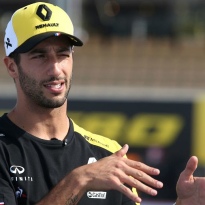 Ricciardo 'doesn't regret' Renault move, sounds like he regrets it