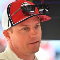 Räikkönen: 'Zo drinken als vroeger kan ik niet meer, maar ik ga nog wel eens uit'