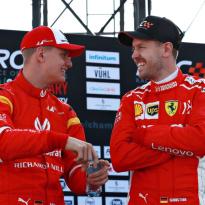 Mick Schumacher: ''Vettel is voor mij, wat mijn vader voor hem was''