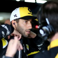 Ricciardo: Renault need to behave more like Red Bull