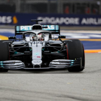 Hamilton matches Schumacher record in Singapore GP