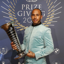 Hamilton focused on 'enjoying the moment' at W11 launch