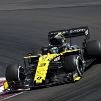 Ricciardo working harder than ever to make Renault competitive