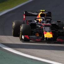 Verstappen, Albon en Kvyat: 'Honda-motor nu net zo goed als die van Mercedes'