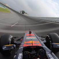 VIDEO: Max Verstappen probeerde kombocht al uit met Formule 1-auto