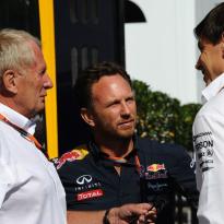 """Marko: """"GP Australië zou doorgaan, maar toen kreeg Wolff belletje van Mercedes"""""""