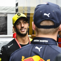 Ricciardo op P4: 'Kwam door Max, ik moet Marko zo maar even spreken'