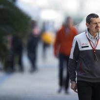 Steiner: 'Hadden beter naar de coureurs moeten luisteren'
