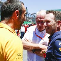 """Red Bull erkent: """"In oorlog met Renault verkeerde strategie gebruikt"""""""