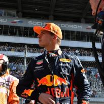 """Doornbos: """"Verstappen beslist binnen twee races of hij bij Red Bull blijft"""""""