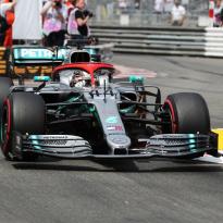 Grand Prix van Monaco: Hamilton wint na bloedstollend gevecht met Verstappen