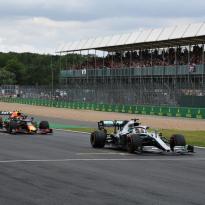 Ecclestone: 'GP Engeland zeker niet door en zilveren randje aan corona'