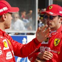 """Ferrari niet blij met gekibbel Leclerc en Vettel: """"Gaan dit intern bespreken"""""""