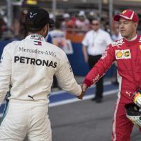 Vettel blij met steun Hamilton: 'Hij heeft niet alleen maar een kortetermijngeheugen'
