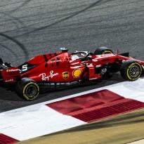 'Vettel panicked like an amateur in Hamilton battle'
