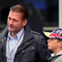 'Max won op zesjarige leeftijd al van vader Jos in de simulator'