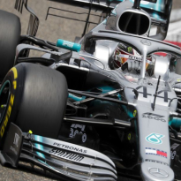Hamilton pays tribute to Mercedes team after Chinese Grand Prix win