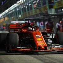 """Vettel niet overtuigd: """"Auto doet nog niet wat ik wil"""""""
