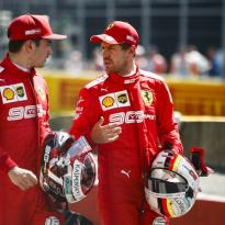 """Ferrari voert druk op Vettel op: """"We hebben het hem eerlijk verteld"""""""
