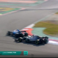VIDEO: Kubica gives Hamilton a scare in Barcelona!
