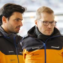 """Sainz: """"De rivalen van McLaren krijgen veel hulp van topteams"""""""