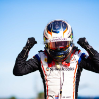 De Vries crowned F2 champion in Sochi
