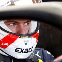 """Verstappen profiteert van fout Ferrari: """"Ik weet niet wat er aan de hand was"""""""