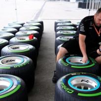 Formule 1: Bandenverwarmers verboden en introductie bandendrukcontrole