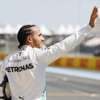 Hamilton haalt uit: 'Ze nemen al jaren slechte beslissingen'