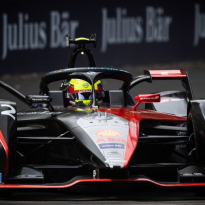 Rowland tops a stop-start pracitce two in Santiago