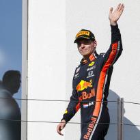 Verstappen reconnaît avoir commis des erreurs 'de Formule 2'