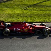 Titelsponsor van Ferrari keert in Bahrein terug op de auto