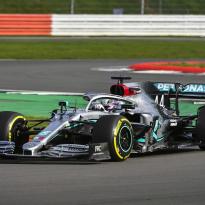 In beeld: De shakedown van Mercedes op Silverstone