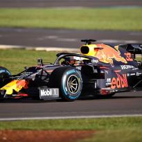 Red Bull-eigenaar verwacht titelstrijd: 'Auto en Honda-motor enorm verbeterd'
