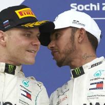 """Bottas over Hamilton: """"Zou niemand liever willen hebben als teamgenoot"""""""