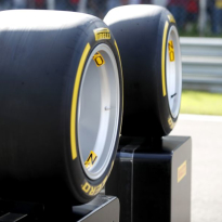 Pirelli: 'Testen van 18-inch banden uitgesteld'