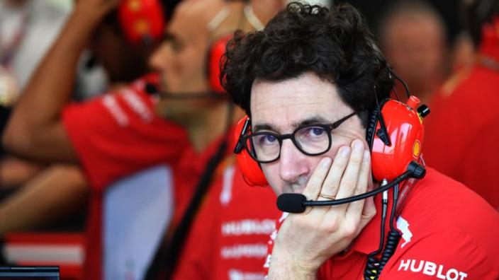 Horner sceptisch over managementwissel Ferrari: 'Binotto rent nu op en neer'