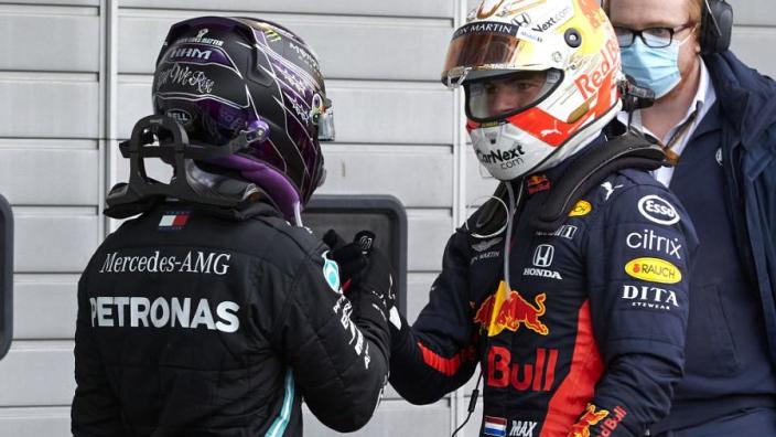 Verstappen heeft bijzonder voorstel voor Hamilton: 'Zullen we een privé testdag doen?'