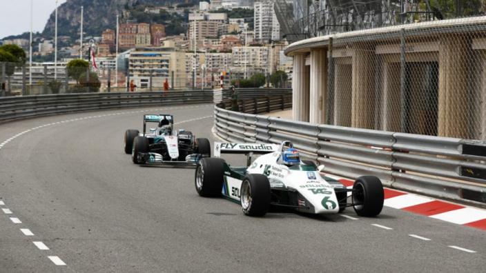 IN BEELD: Keke en Nico Rosberg de baan op in Monaco