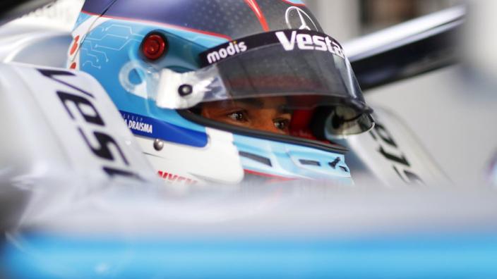 """De Vries na tweede crash in Rome: """"We waren allebei gewoon te agressief"""""""