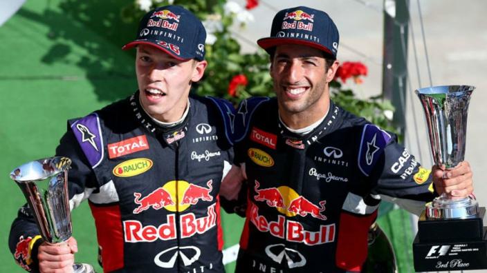 Kvyat: I'll buy Ricciardo a new mirror