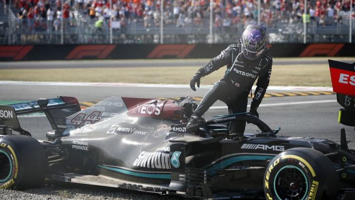 """Surer over Hamilton: """"Volgende duel met Verstappen levert waarschijnlijk weer crash op"""""""