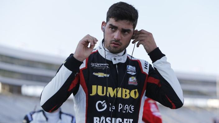 """Rinus van Kalmthout reageert na crash: """"Die vinger vind ik niet veel voorstellen"""""""