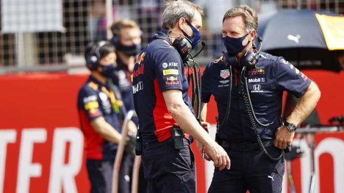 Horner legt uit: 'Harde band Verstappen in kwalificatie was een risico'