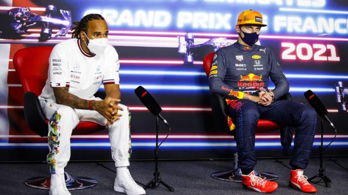 'Hamilton heeft met Verstappen gesproken over harde crash op Silverstone'
