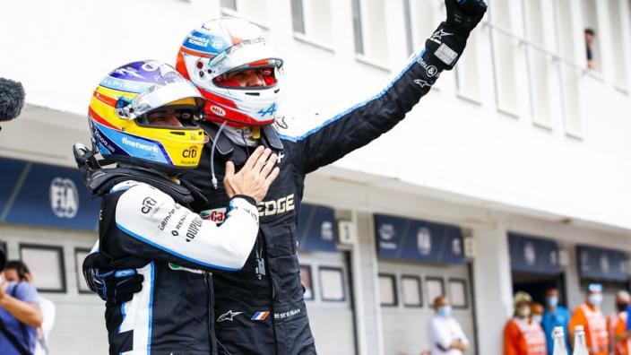 F1 Power Rankings: Verstappen net in top tien, Alpine-coureurs scoren geweldig