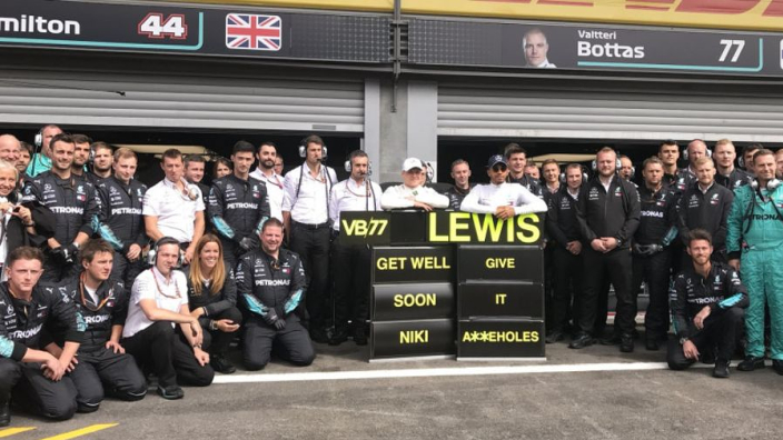 Mercedes pay tribute to Lauda at Spa