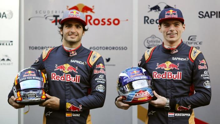 Van vertrek bij Red Bull tot Ferrari-coureur | Het Leven Van Carlos Sainz