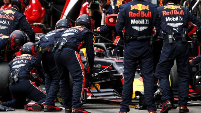 """Rosberg haalt uit: """"Fout van Red Bull, een zooitje, daardoor straf Verstappen"""""""
