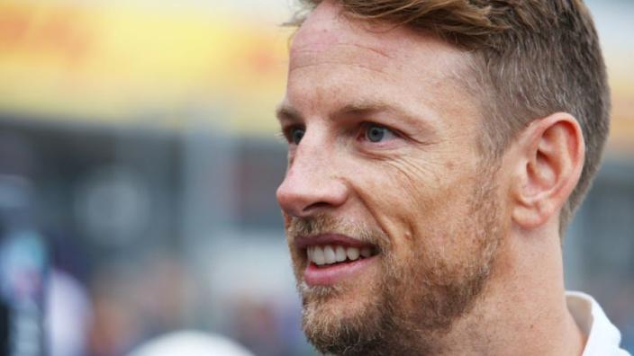 Jenson Button en verloofde verwachten eerste kindje